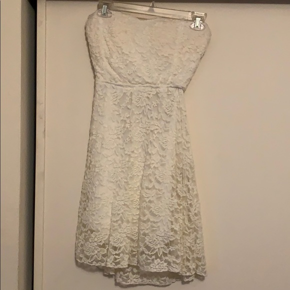 Poetry Dresses & Skirts - White Strapless Short Lace Dress